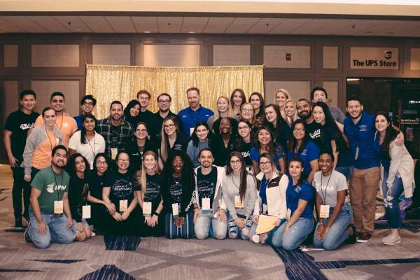 Group photo of various students at the 2019 APhA-ASP Midyear Regional Meeting
