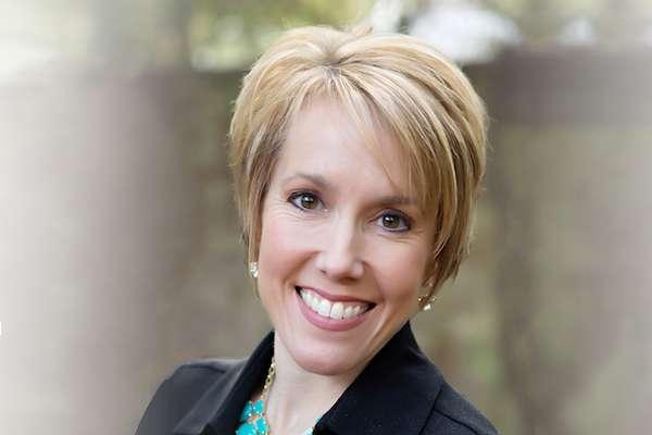 Kristin Weitzel headshot