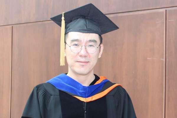 Guang Yang headshot